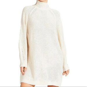 BB DAKOTA Oversized Turtleneck Sweater NWT L